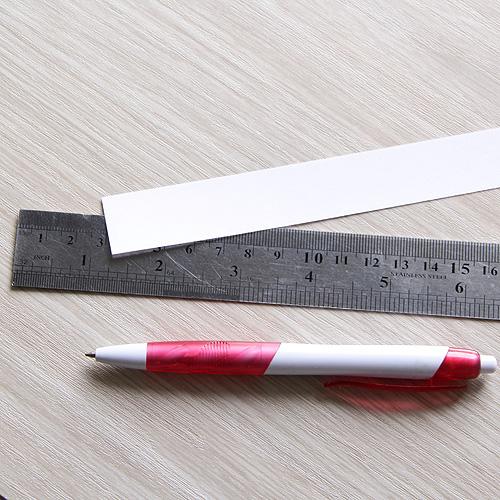 Для определения размера запястья не обязательно иметь потрняжный сантиметр и можно воспользовать простыми подручными средствами!